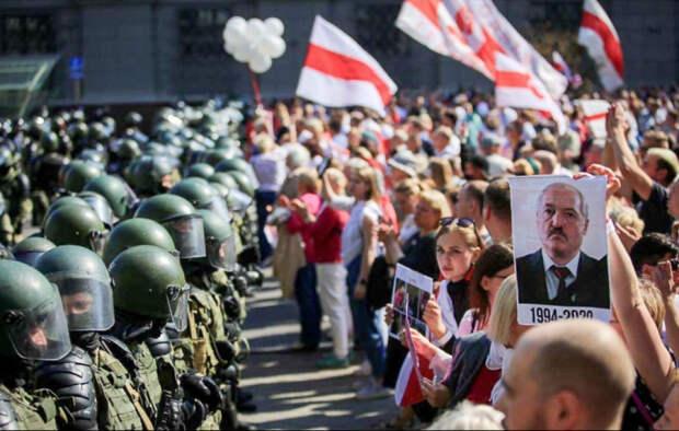 В Минске предупреждают об угрозе кровавой развязки