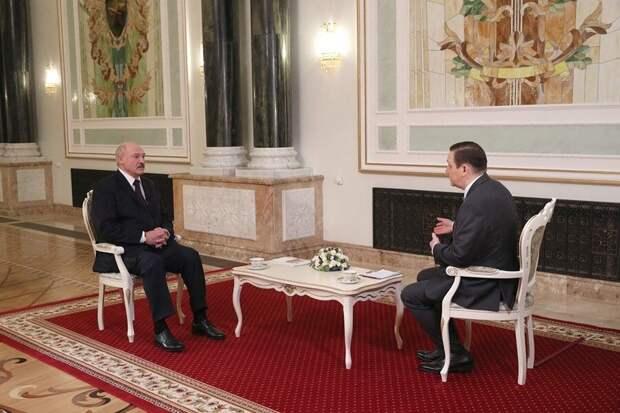 Интеграция Беларуси и России откладывается - Лукашенко