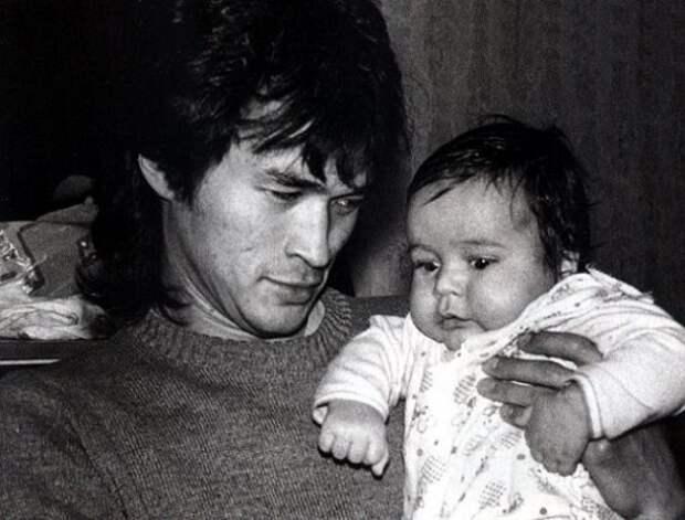 Взгляни, как выглядит сын легендарного Виктора Цоя.