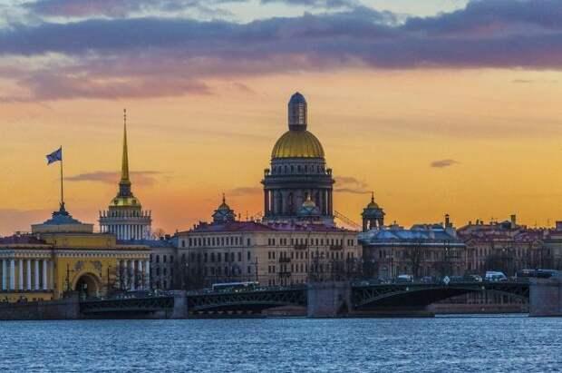 В Петербурге ужесточили ограничения из-за коронавируса