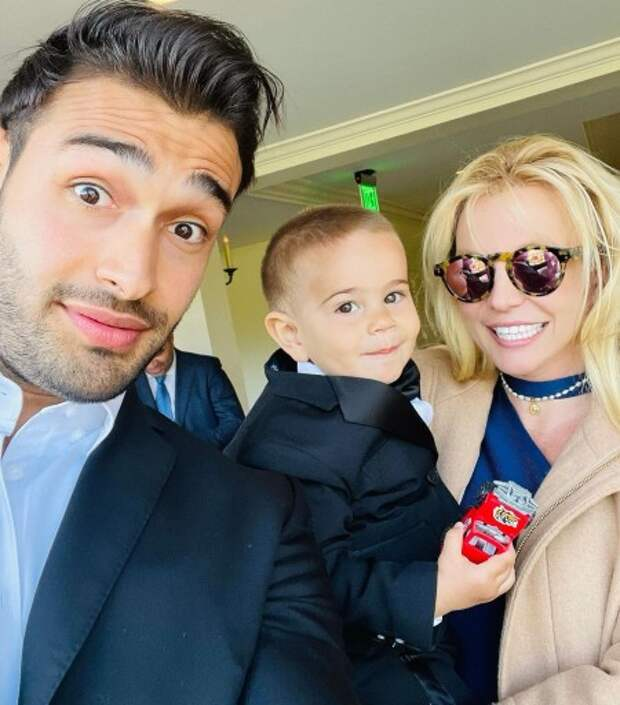 Родители Бритни Спирс подали друг на друга в суд: подробности нового разбирательства
