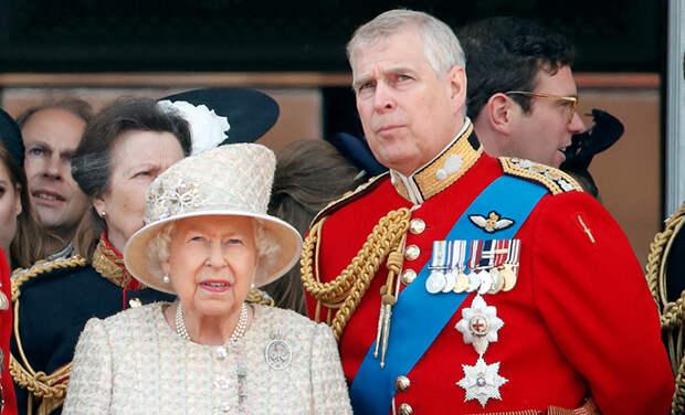 Взлом без кражи: женщина проникла в дом принца Эндрю и назвала себя его невестой