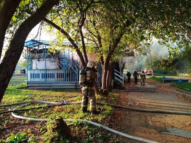 Полиция не стала возбуждать дело после пожара в бывшем кафе «Кораблик» в Ижевске