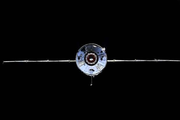 Орбитальная грация виртуозной «Науки». Свежий борщ и экокислород – на подходе