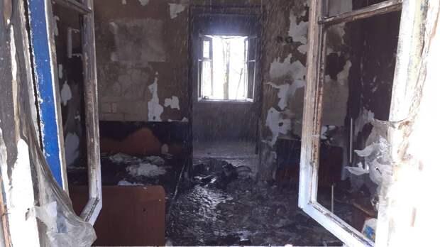 В Крыму мужчина получил ожоги на пожаре, в котором едва не взорвались газовые баллоны