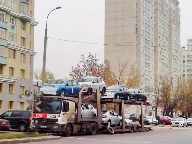 Продажи автомобилей в Санкт-Петербурге опережают российские
