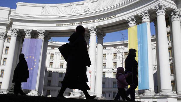 На Украине пригрозили ответом за задержание дипломата в Петербурге