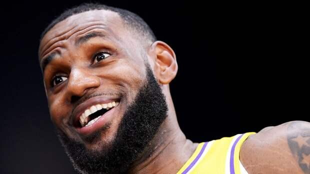 «Лейкерс» обыграли «Кливленд», у Леброна 46 очков, трипл-дабл Дончича не помог «Далласу» одолеть «Денвер»