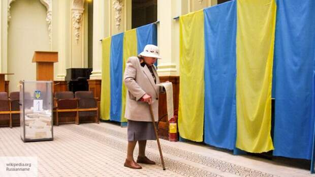 Синельников: Зеленский теряет контроль над ситуацией, ведя Украину к досрочным выборам