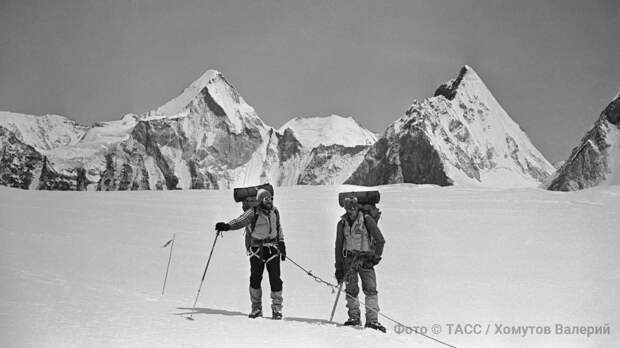 Тайна пропавшей экспедиции: советские альпинисты могли первыми взойти на Эверест