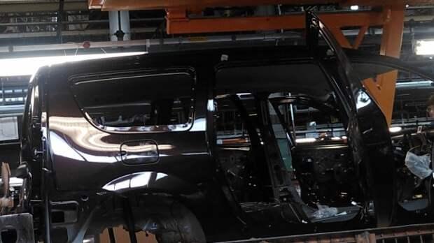 У Lada Largus появился темно-коричневый цвет