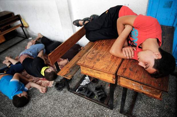Спящие люди