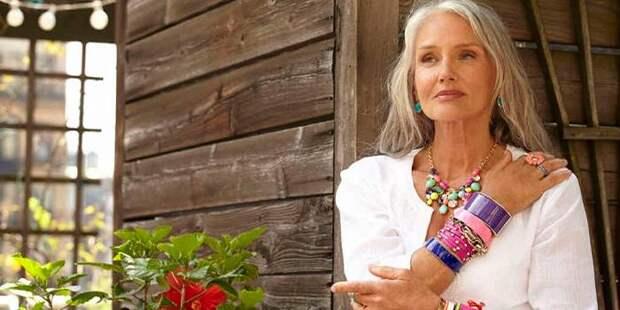5 вещей, которые женщины должны прекратить делать после 60