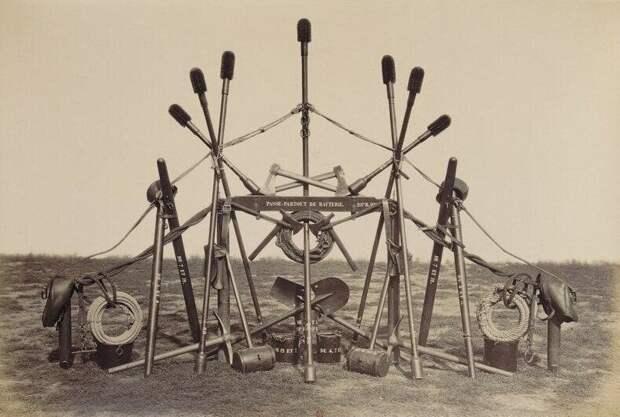 Инструментарий французского артиллериста из альбома 1877 года, который был представлен военному министру страны