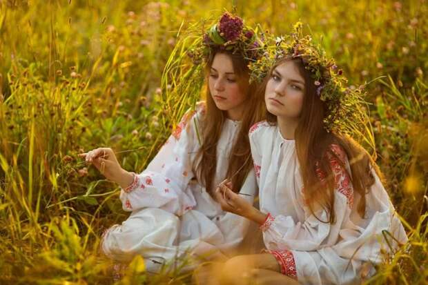 Арийские красавицы на Иван Купала