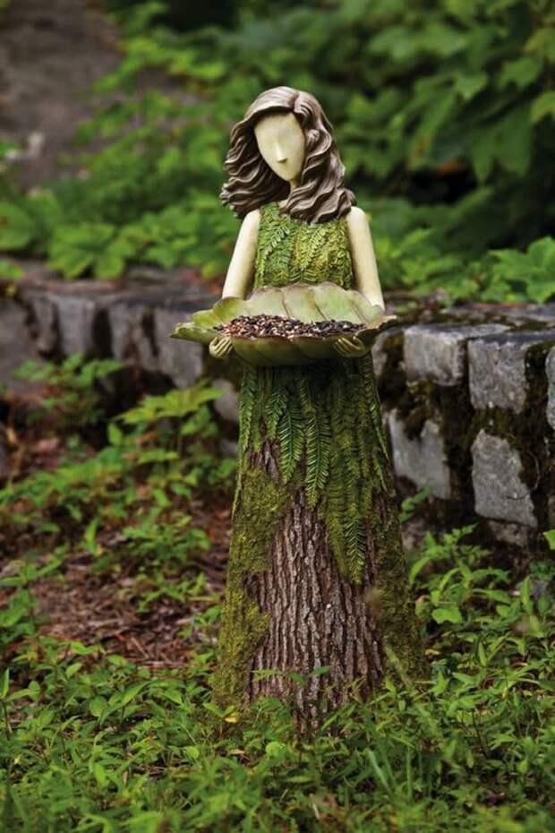 Перерождение обычного пня: креативный подход к созданию садового декора