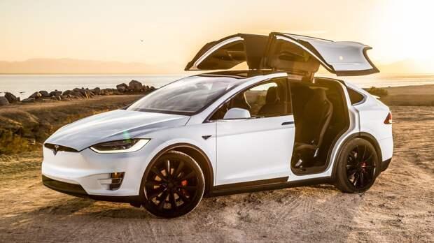 Плохая память: Tesla очень не любит отзывать автомобили, но её опять заставили