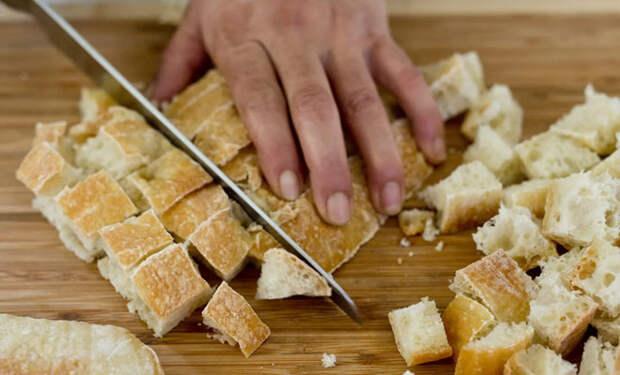 Черствый хлеб не выбрасываем, а превращаем в еду: 6 рецептов