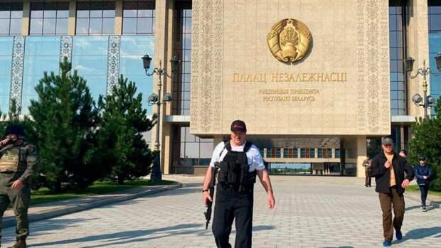 6 коротких новостей выходных: день рождения Лукашенко и смерть Чедвика Боузмана