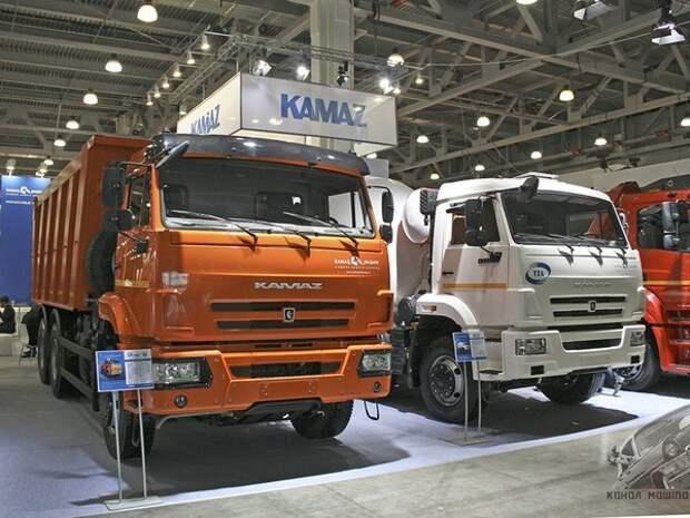 """Справа - КАМАЗ-6520 со """"старой"""" кабиной, слева - с """"новой старой"""" кабиной авто, автомобилестроение, камаз, факты"""