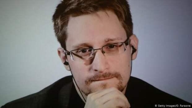 Сноуден оботказе вэкстрадиции вСША Ассанжа: Пусть наэтом всё закончится