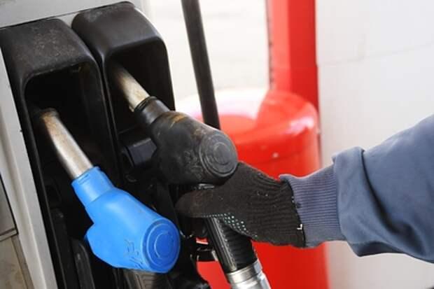 Ценам на бензин в России предсказали резкий рост
