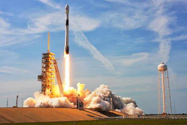 SpaceX отправила на орбиту засекреченный спутник для радиоэлектронной разведки