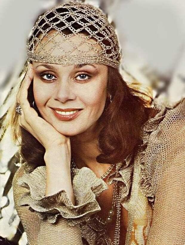 Экстравагантная актриса советского пространства, а так же певица, педагог и театральный деятель. | Фото: sibmincult.ru.