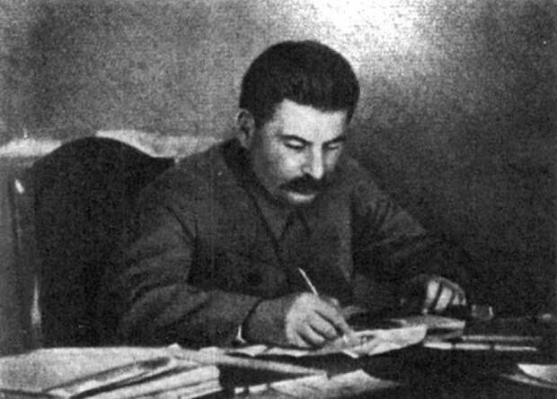 Зачем Сталин в своём блокноте рисовал волков