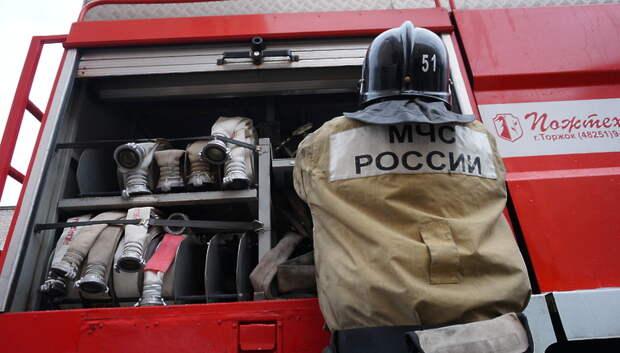 Пожарные ликвидировали возгорание автомобиля в центре Подольска