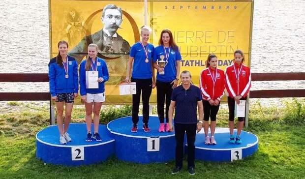 Победители и призеры эстафеты среди женщин. Фото: СШОР «Северный»
