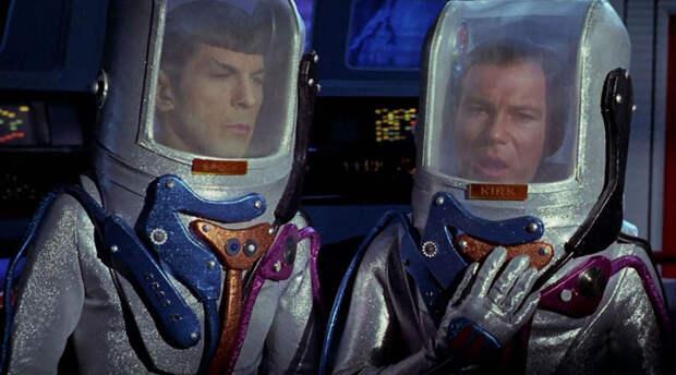 Космические скафандры научной фантастики: в чем точно нельзя лететь в космос