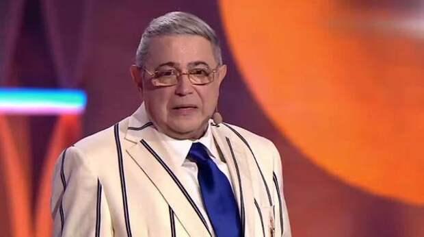 Петросян: Джигарханян сгнил лежа в постели, потому что к нему никто не подходил