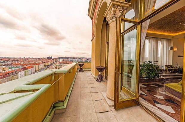 Это самое высокое здание в городе, с верхних этажей которого открывается шикарный вид. /Фото:internationalprague.cz