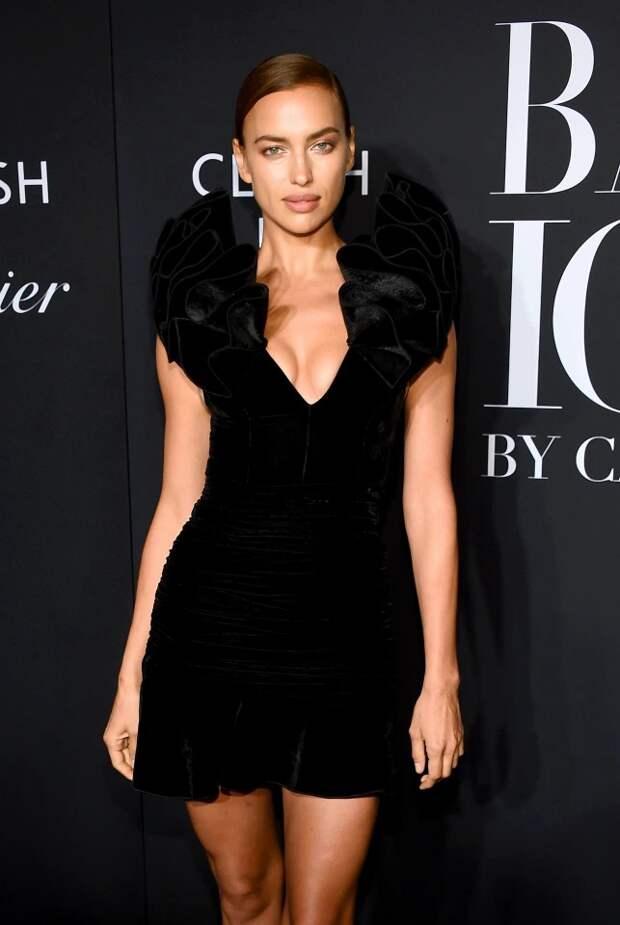 Обнаженная Ирина Шейк снялась для Vogue всаду Донателлы Версаче