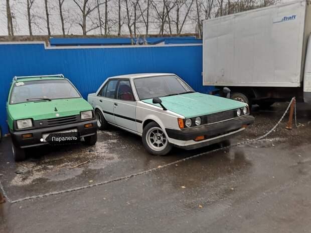 Ретро автомобили на улицах Москвы
