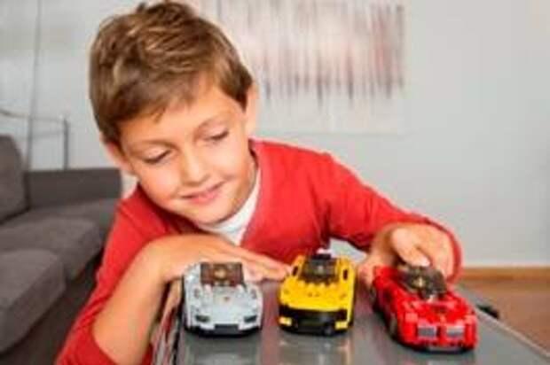 Ferrari, McLaren и Porsche вместе с Lego создали наборы для юных автомобилистов