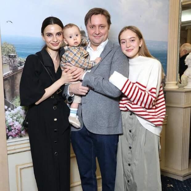 Жена Никиты Михалкова впервые показала фото его внука