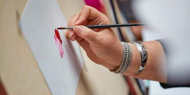 Московские художники готовятся к Международной ярмарке искусства Cosmoscow