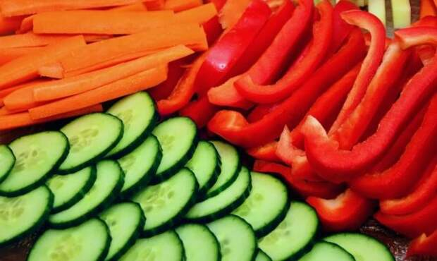 Морковь, перец и огурец