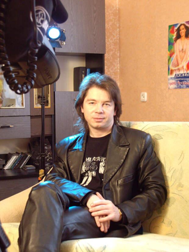 Как менялся актер сыгравший самого озорного школьника союза Дениса Кораблева с течением времени.