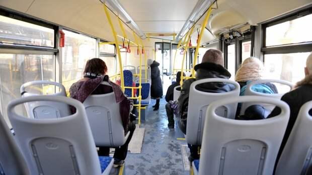 ВВолгограде кондуктор ипассажиры поскандалили из-за открытой около ребенка форточки
