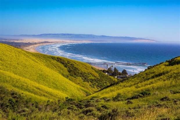 Самый фееричный трекинг: пять лучших мест для пеших походов с видом на море