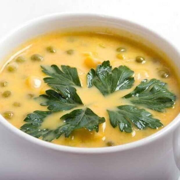 Суп сыром и зеленым горошком