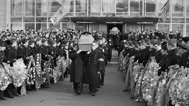 30 лет назад в Норвежском море затонула атомная подводная лодка «Комсомолец». (окончание)