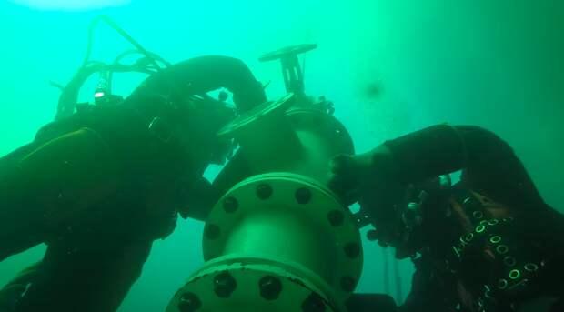 Как люди живут на дне океана