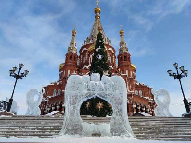 В Ижевске стартовал ледовый фестиваль ангелов и архангелов