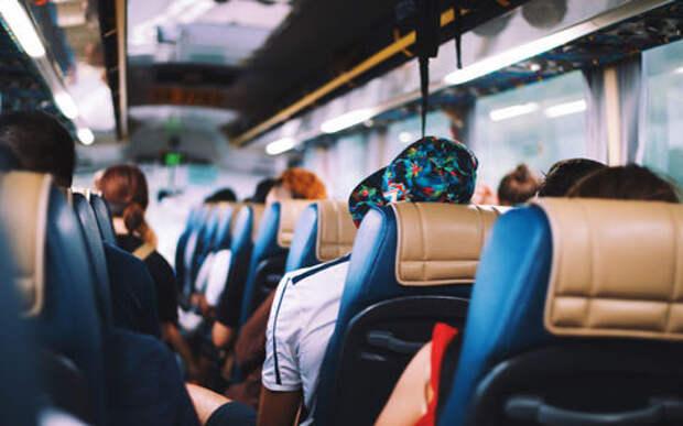 В слетевшем в кювет автобусе пострадали дети
