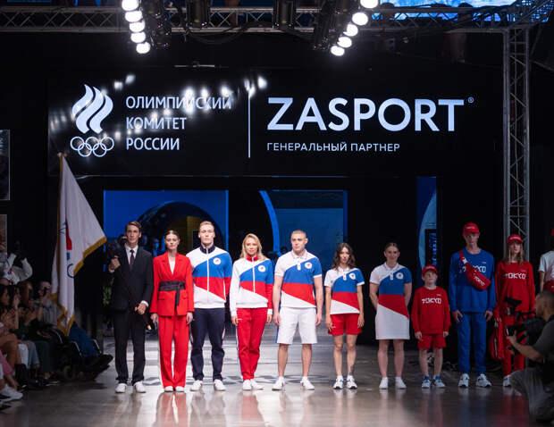 Рудковская с мужем, Муцениеце и Барановская блистали на модном показе