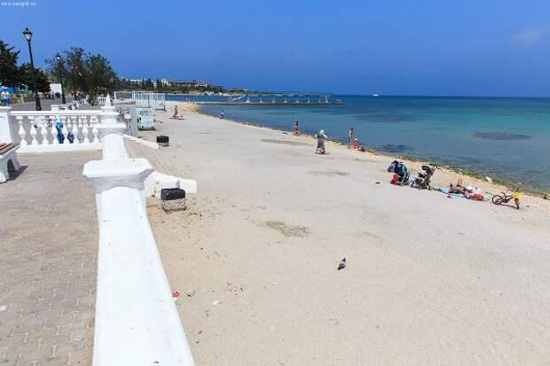 В Севастополе за грязный пляж содержателей наказывают рублём